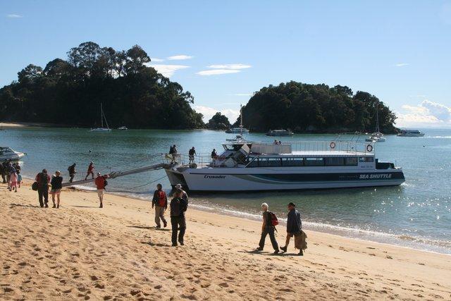 able tasman tour boat