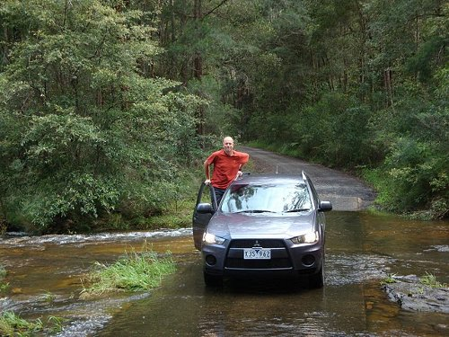 4wd driving in river