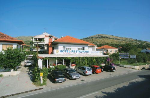 Hotel Trogirski Dvori, Kneza Trpimira 245, Trogir 21220, Split, Croatia