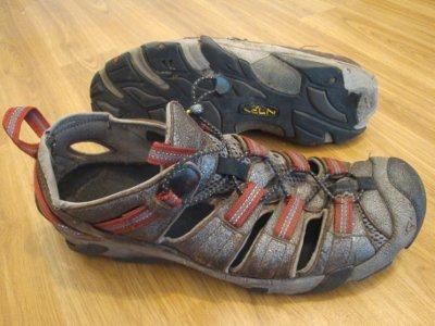 keen taos sandals