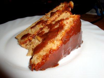 Peanut coholate cake